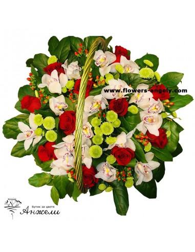"""Кошница """"Лукс"""" с рози и орхидеи"""
